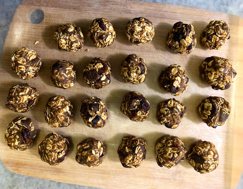 Cranberry Chocolate Protein Balls Preparation