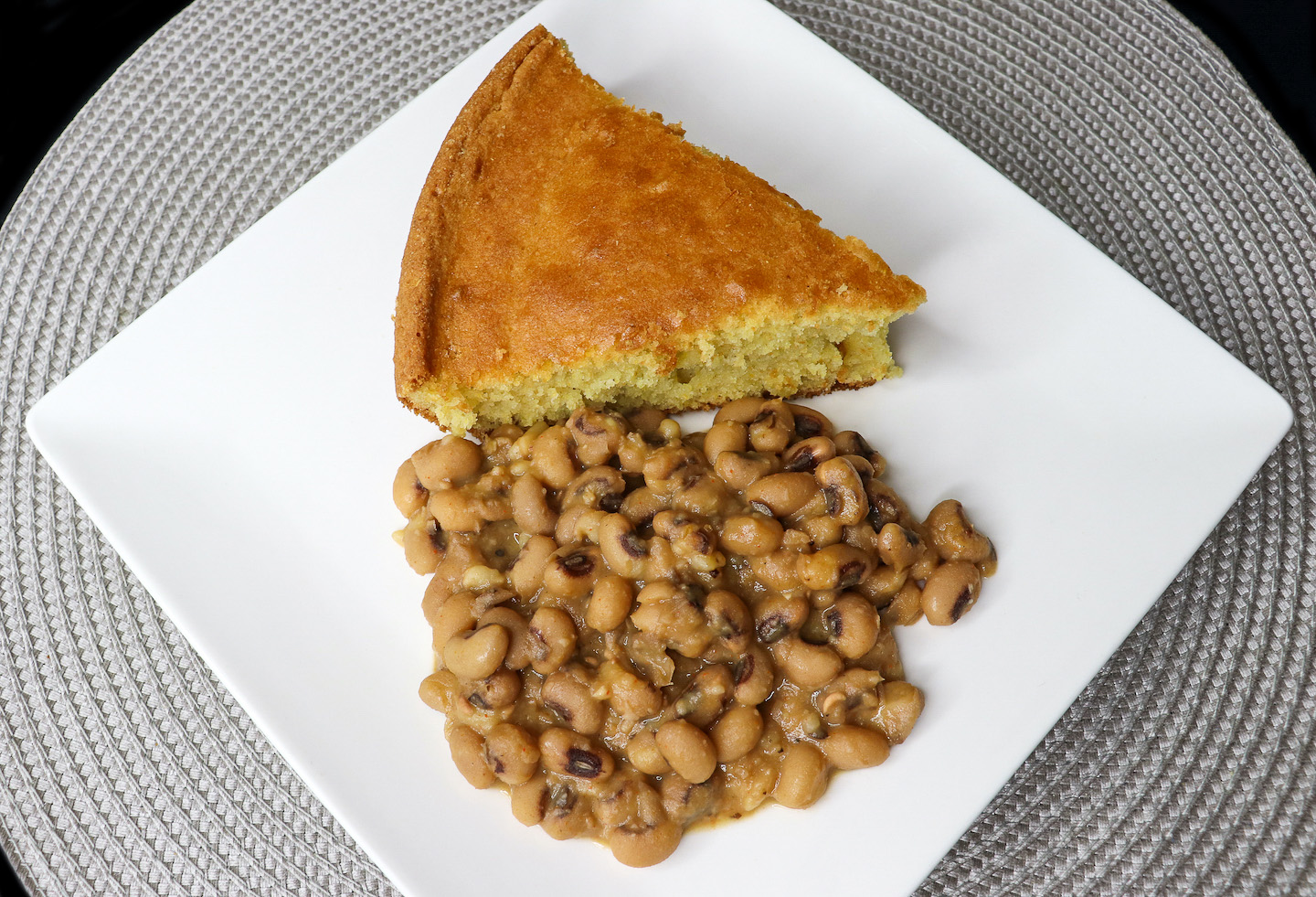 Southern Style Meat Free Black Eyed Peas Recipe